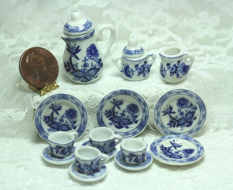 "Tea Set in ""Blue Onion"" Blue and White Pattern"
